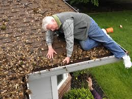 dangers of DIY gutter cleaning